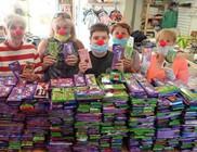 Csokigyűjtés Bohócdoktorokkal a Gyermekekért - Gyermekmosoly