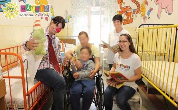 Bohócdoktorok a gyermekkórházban