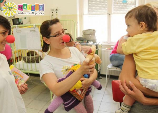 Bohócdoktorok, kórházi viziten